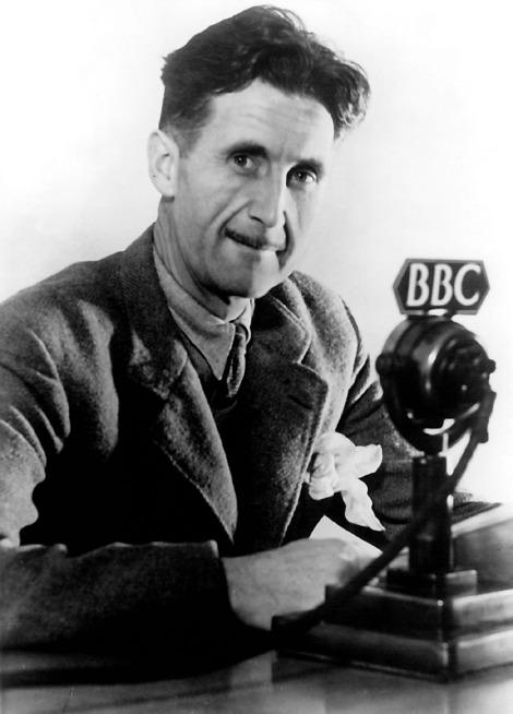 Orwell, George (eigentl. Eric Arthur Blair), engl. Schriftsteller, Motihari (Indien) 25.1.1903 - London 21.1.1950. Foto, um 1945.