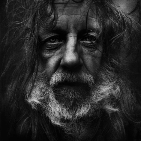 arch2o-black-and-white-homeless-portraits-lee-jeffries-09