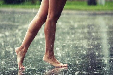 corres_bajo_lluvia
